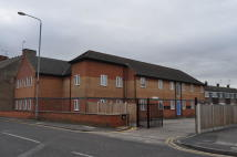 2 bed Flat in Autumn Court, Hucknall...