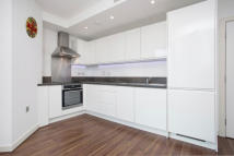 Apartment to rent in Ealing Road, Brentford...