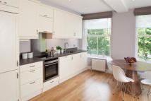Apartment to rent in New Kings Road...