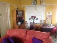 1 bed Ground Flat to rent in Duppas Avenue, Waddon...