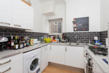 1 bed Flat in Eaton Rise...