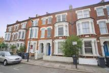 Ground Flat to rent in Horsford Road, Brixton...