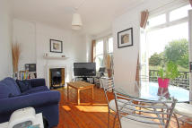 2 bed Flat to rent in Clapham Common North...