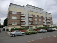 Flat to rent in Coles Green Road, London...