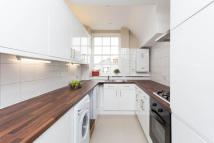 Flat to rent in Beaufort Street, Chelsea...