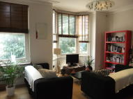 3 bedroom Flat in Huddleston Road...