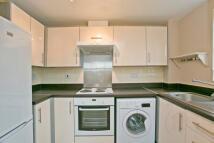 Flat to rent in Verney Road, Grimsbury...