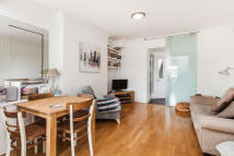 1 bedroom Flat to rent in Princes Road, Richmond...