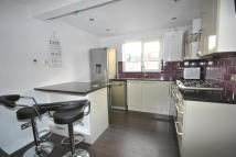 Chestnut Road Flat to rent