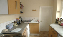 3 bed Terraced property in Grange Road, North End...
