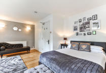 House Share in Lingfield Road, London...