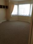 2 bed Flat to rent in Ripstone Gardens...