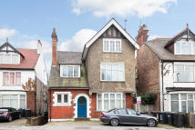 1 bedroom Flat in Coombe Road...