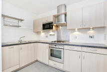 2 bed Serviced Apartments to rent in Tideslea Path...