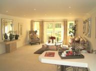 3 bed Flat in Portsmouth Road, Esher...