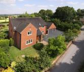 4 bedroom Detached home in Uphampton, Ombersley...