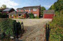 Detached house in Lower Broadheath...