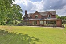 5 bed Detached property in Kings Bromley...