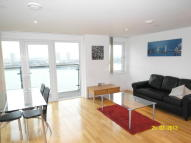 Mast Quay Flat to rent