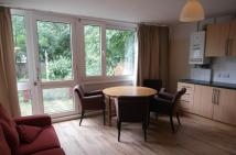 4 bed Flat to rent in Ibsley Gardens, Richmond...