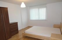 2 bed Flat to rent in MAST QUAY, London, SE18
