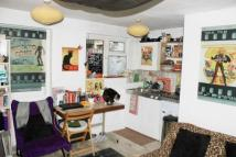 Studio flat for sale in Caledonian Road...