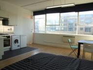 Studio apartment to rent in Long Street,  Shoreditch...