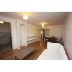Flat to rent in Heddington Grove...