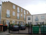 2 bed Flat in Somerford Grove...