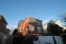 2 bed Flat to rent in Richmond Park Road...