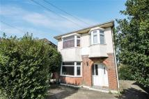 Flat to rent in Barnes Crescent...