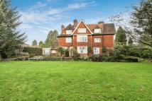 8 bed Flat in Quarry Road, Oxted