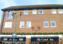 2 bedroom Flat in Central Oxted