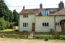 2 bed semi detached home to rent in Oxted