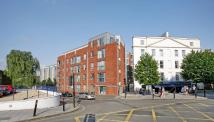 2 bedroom Flat in Armidale Place ...