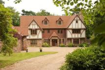 7 bed Detached property in Crowborough