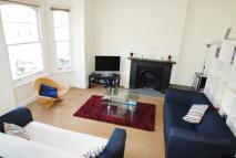 3 bedroom Maisonette to rent in Broomwood Road...