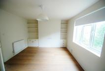 Studio flat in St. Mark'S Grove...
