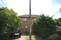 3 bed property in OXHEY