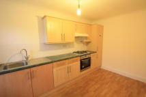 2 bedroom Flat in Old Lodge Lane, Purley...