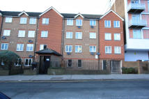 1 bedroom Flat in Mayday Road...
