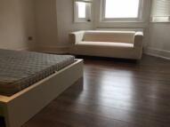 2 bedroom Flat in Rye Lane, London, SE15