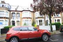 Flat to rent in Romola Road, London, SE24
