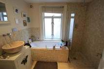 1 bed Flat to rent in Astonville Street...