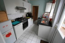 Flat in Howley Road, Croydon, CR0