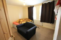 3 bedroom Flat to rent in Howley Road, Croydon, CR0