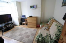 3 bedroom Terraced house to rent in Howley Road, Croydon, CR0