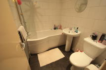 2 bedroom Flat to rent in Addiscombe Court Road...