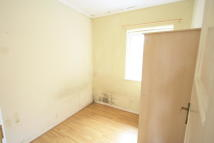 Flat to rent in Central Road, Morden, SM4
