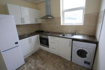 Studio apartment in Portland Road, London...